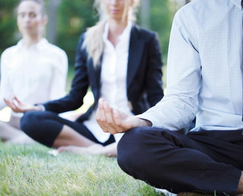 Mit Business Yoga für Unternehmen in die Gesundheit am Arbeitsplatz investieren